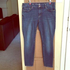 2/$20 Eddie Bauer Slightly Curvy Jeans Ankle 12